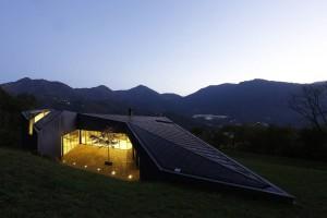 Alps Villa, vista notturna
