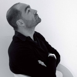 Il designer Massimo Cavana