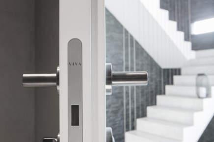 Viva presenta le porte per interno V1 e V2: linearità ed eleganza