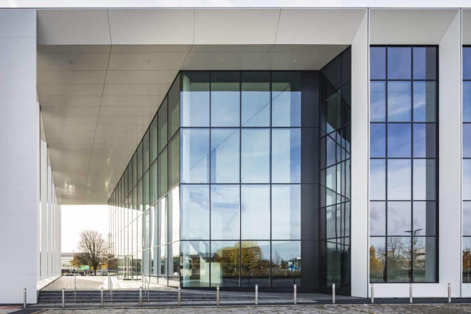"""Il vetro in edilizia: materiale per eccellenti """"collaborazioni"""""""